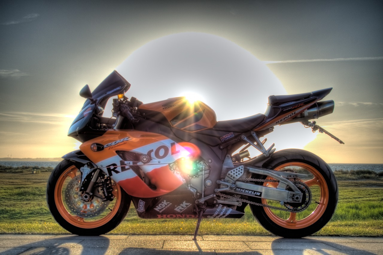 A beautiful sunny day goes near its end, my Fireblade is still glaring with the sun behind.